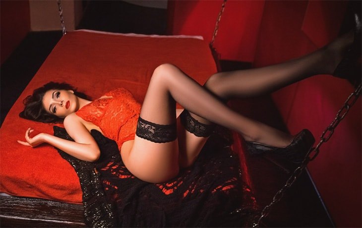 One of Whatsapp girls Yana gives a full glance on her laying back on this red-and-black big bed for sex marathons